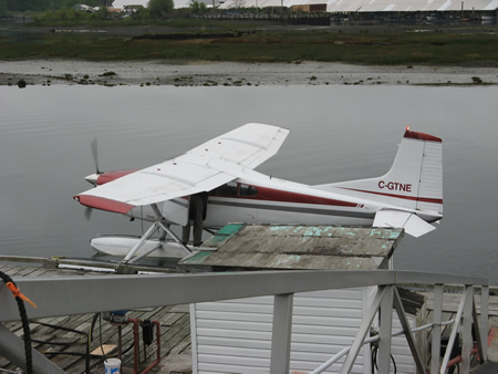 Cessna 182 with floats